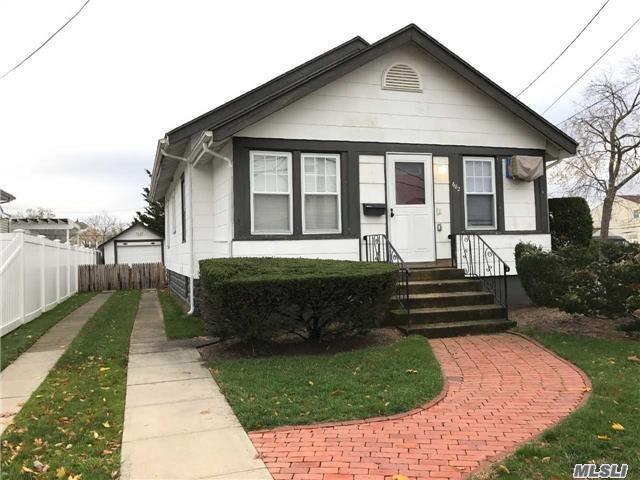 682 Parsonage St, Baldwin, NY 11510