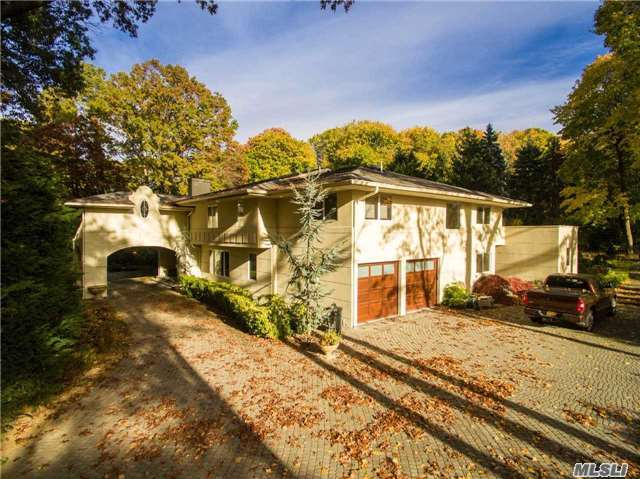 19 Forest Drive, Sands Point, NY 11050
