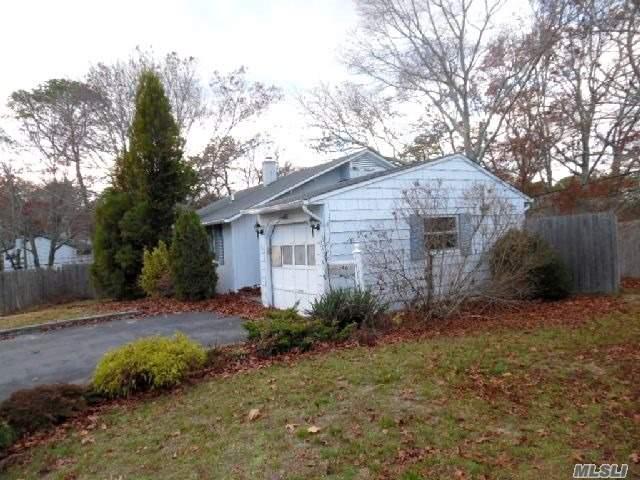 46 Pine Court, Riverhead, NY 11901