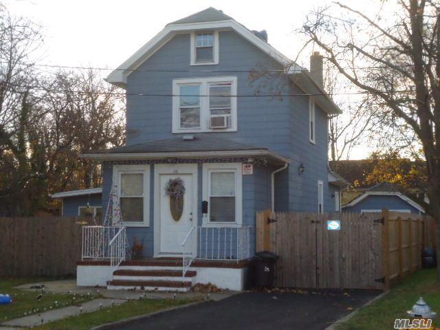 56 Center Ave, Bay Shore, NY 11706