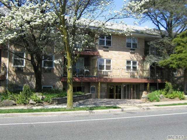 157 Hempstead Ave #C19, Lynbrook, NY 11563