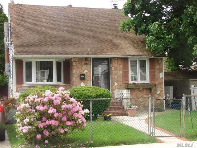 160 Brown Ave, Hempstead, NY 11550