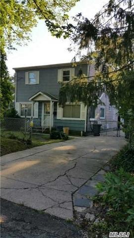 1373 Pine Acres Blvd, Bay Shore, NY 11706