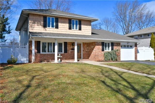 42 Carnegie Dr, Smithtown, NY 11787
