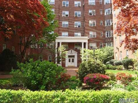 76-36 113th St #4GForest Hills, NY 11375