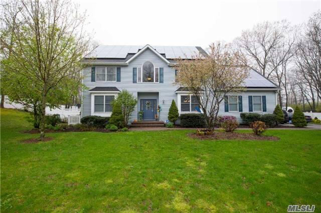 8 Panther PathMiller Place, NY 11764