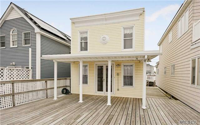 16 W 5th Rd, Broad Channel, NY 11693