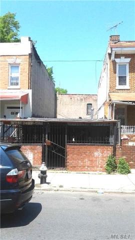 133 Dumont Ave, Brooklyn, NY 11212