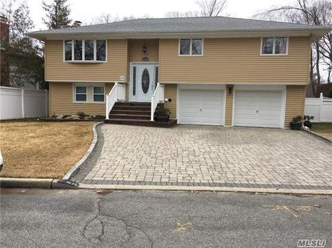 1635 East Dr, Merrick, NY 11566