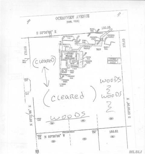 42 Oceanview Ave, Farmingville, NY 11738