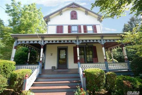 34 E Williston Ave, East Williston, NY 11596