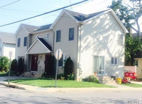 1077 Cedar Ln, Woodmere, NY 11598