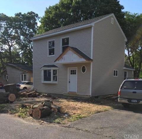 105 Cedar St, Centereach, NY 11720