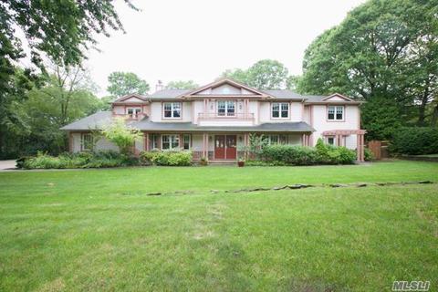 30 Sarah DrDix Hills, NY 11746