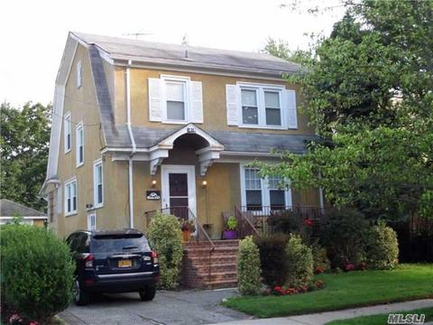 1047 Roselle PlWoodmere, NY 11598