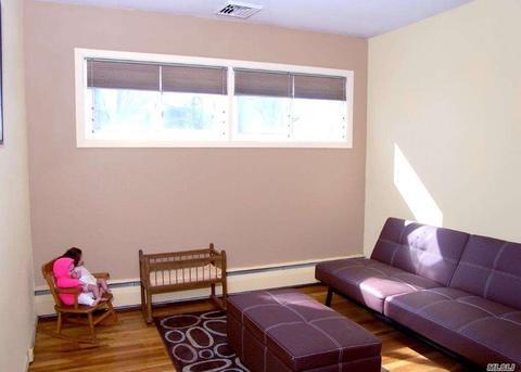 269 Woods Rd, North Babylon, NY (19 Photos) MLS# 3012974 - Movoto