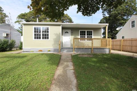 184 Homes For Sale In Mastic Beach Ny On Movoto See 89 583 Ny Real