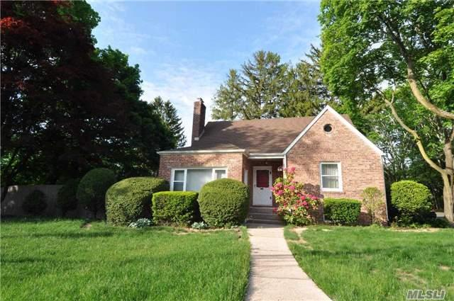 32 Forester St, Long Beach, NY 11561