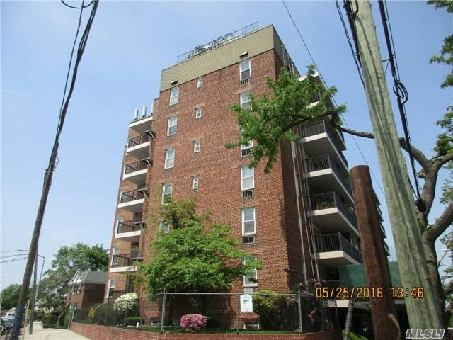 61-88 Dry Harbor Rd #APT 3L, Middle Village, NY