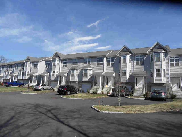 8 Doe Trl, Wappingers Falls, NY 12590