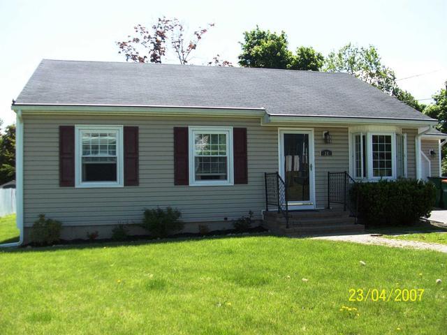 24 Hampshire Rd, Fishkill, NY 12524
