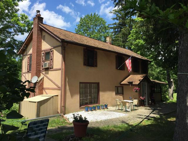 15 Mc Donnells Ln, East Fishkill, NY 12533