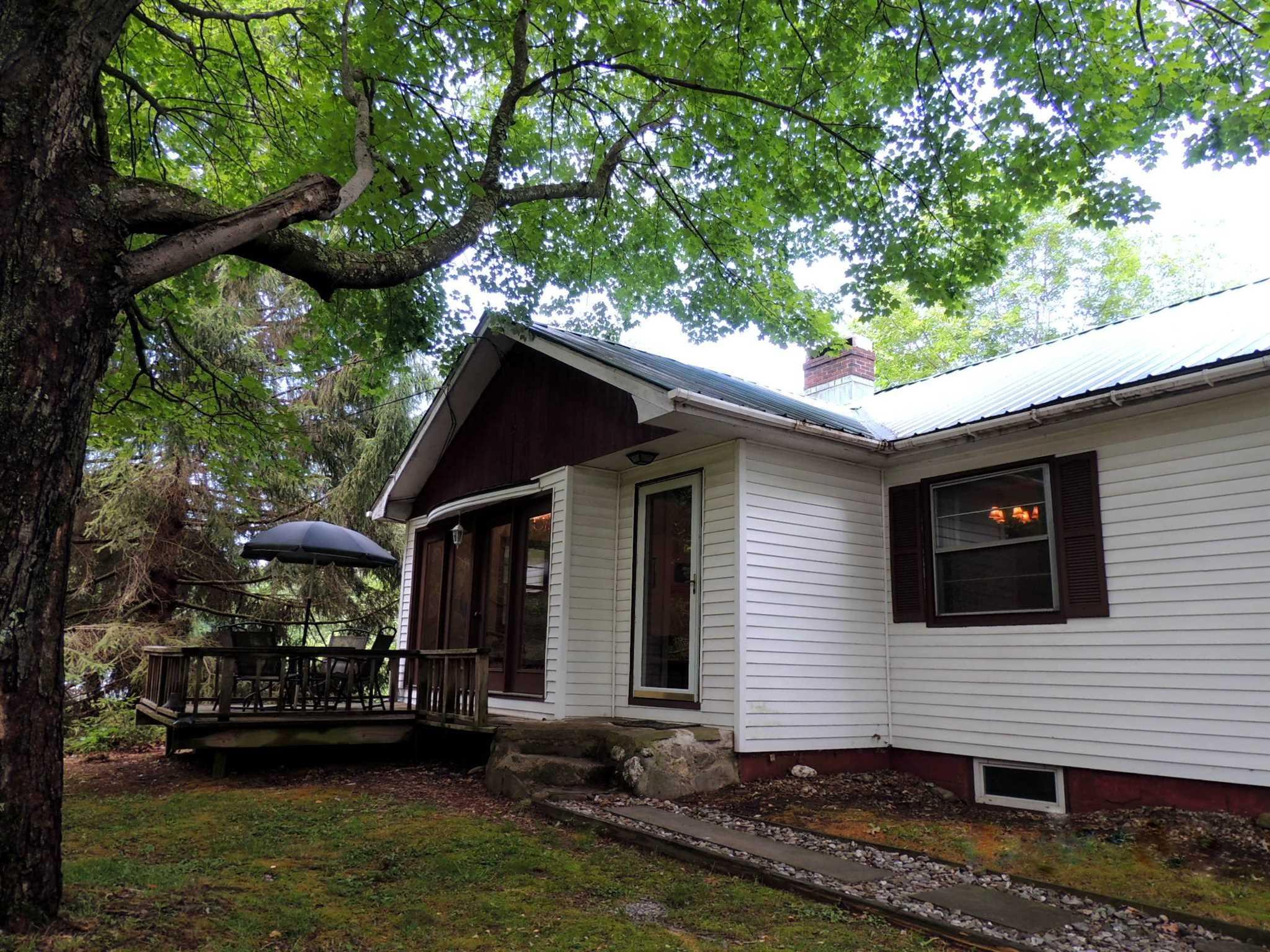 305 Augusta Dr, East Fishkill, NY 12533