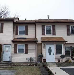 Everett Pl, Maybrook, NY 12543