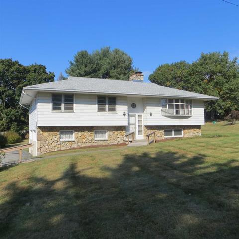 8 Old Field Rd, Arlington, NY 12603