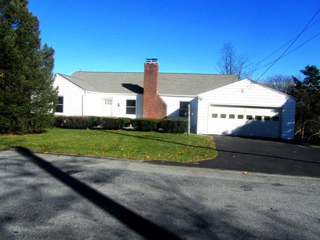 62 Smith Rd, Pleasant Valley, NY 12569