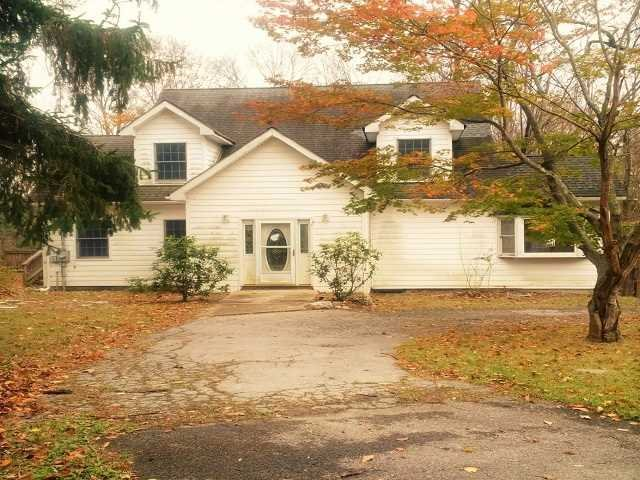 856 Beekman Rd, Hopewell Junction, NY 12533