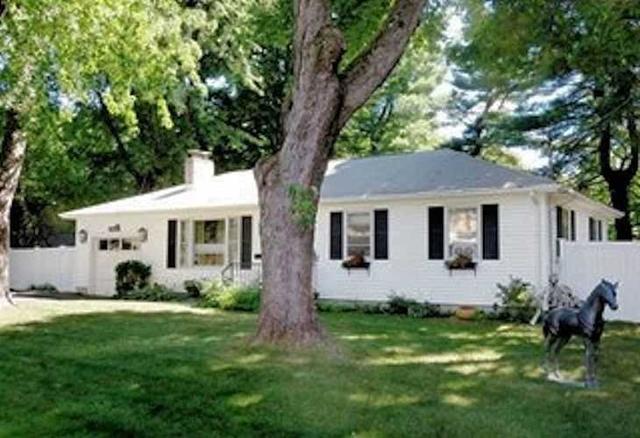 15 Manor Rd, Rhinebeck, NY 12572