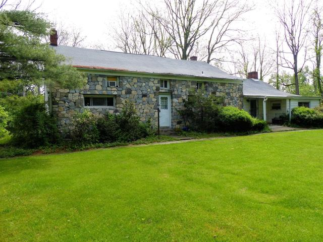 81 Old State Rd, East Fishkill, NY 12533