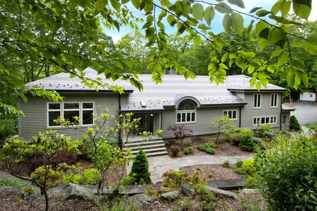 21 Faust Ct, Cold Spring, NY 10516