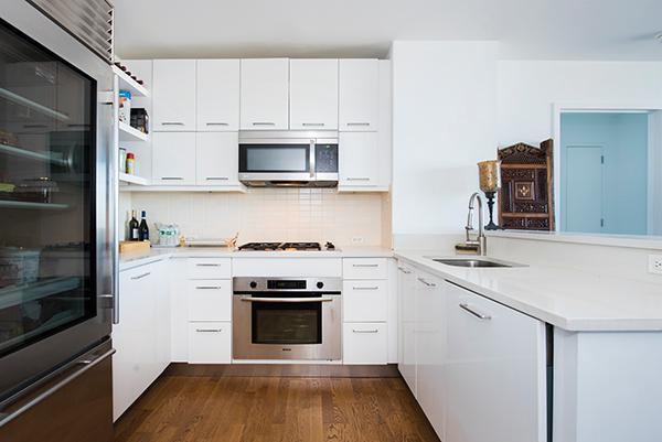 635 W 42nd St #32B, New York, NY 10036
