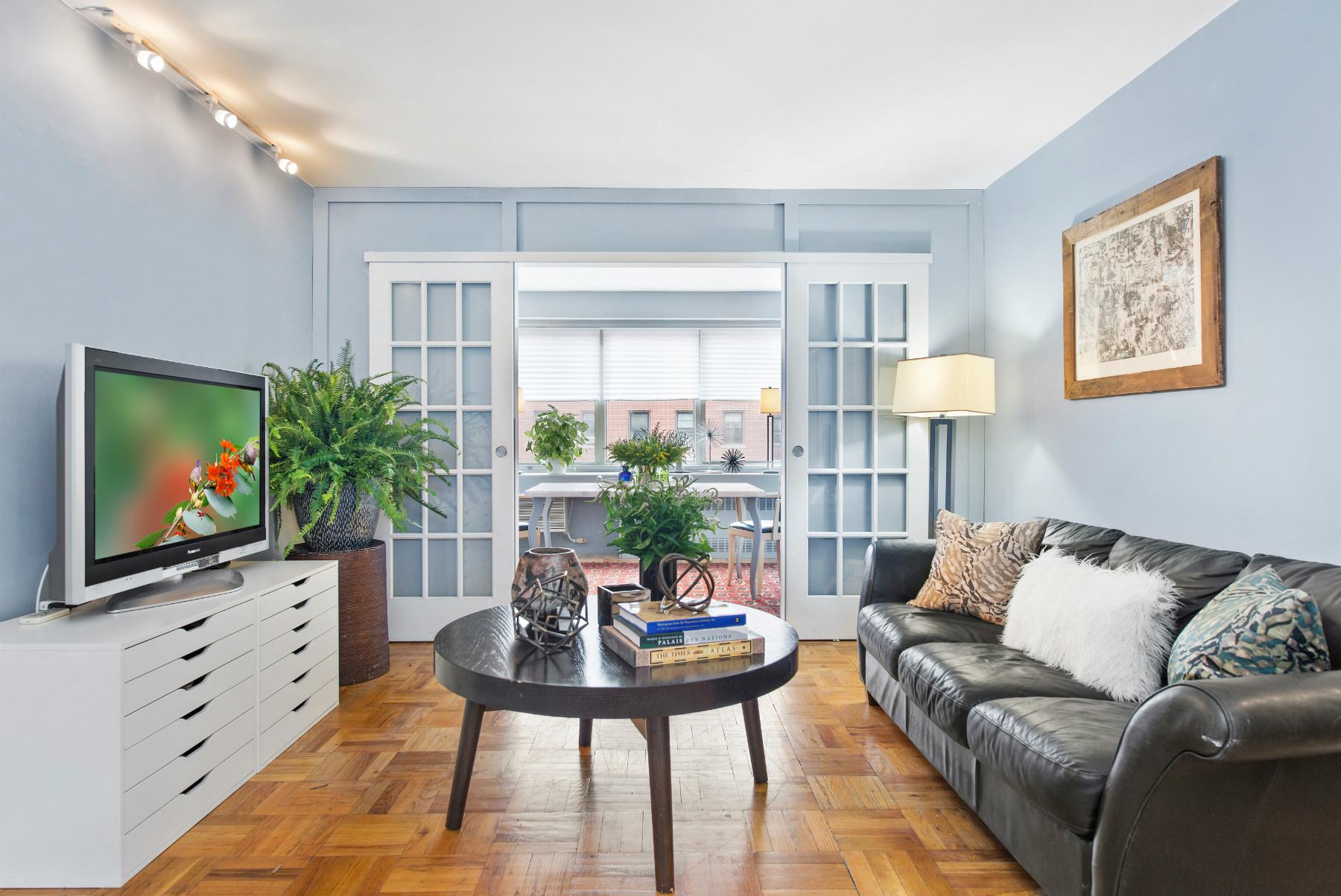 430 W 34th Street #10H, New York, NY 10001