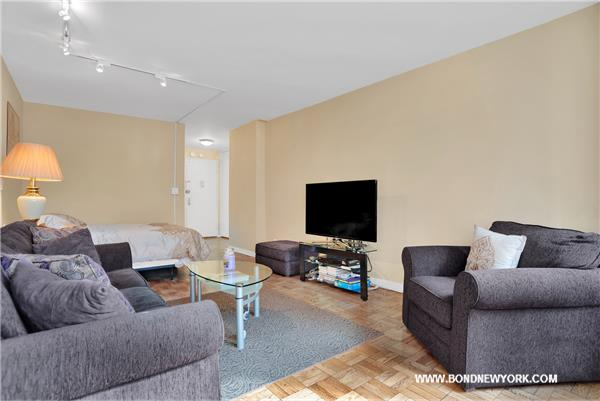 301 E 64th Street #8-E, New York, NY 10065