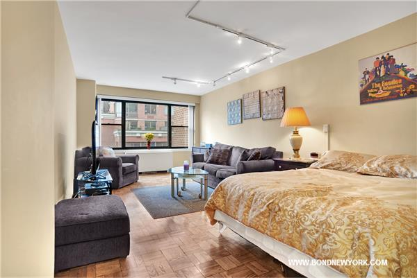 301 E 64th St #8-E, New York, NY 10065