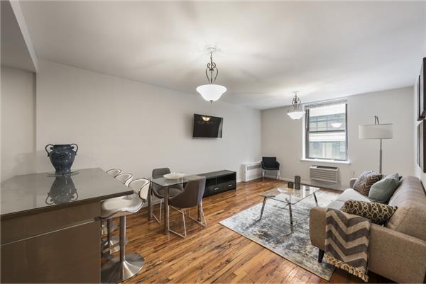 32 W 40th St #4-G, New York, NY 10018