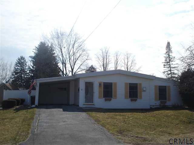 17 Halsey Pl, Glens Falls NY 12801