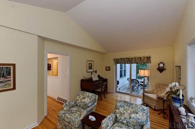 73 Oakmont St, Schenectady NY 12309