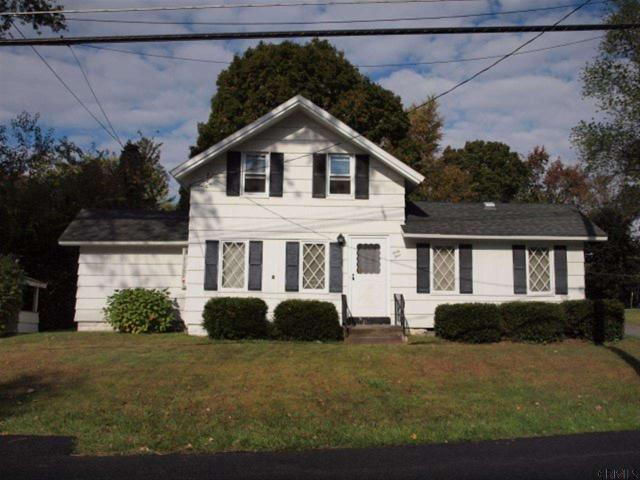 44 Willow St, Guilderland, NY 12084