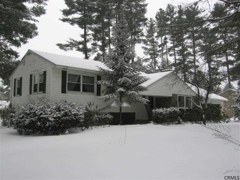 8 Old Forge Rd, Queensbury, NY 12804