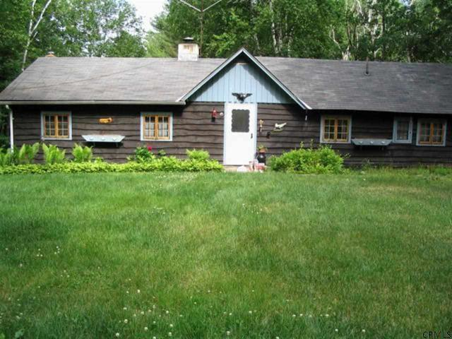 5 Garrison Dr, Schroon Lake, NY 12870