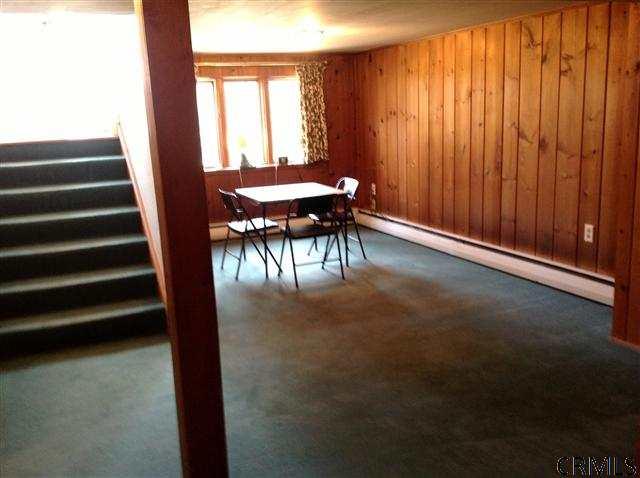 77 Birchwood La, Schenectady NY 12309