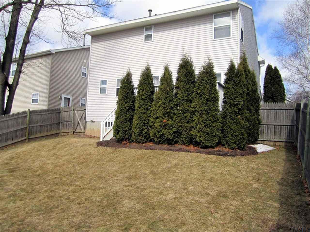 31 Maple Ridge Ave ## a, Clifton Park NY 12065