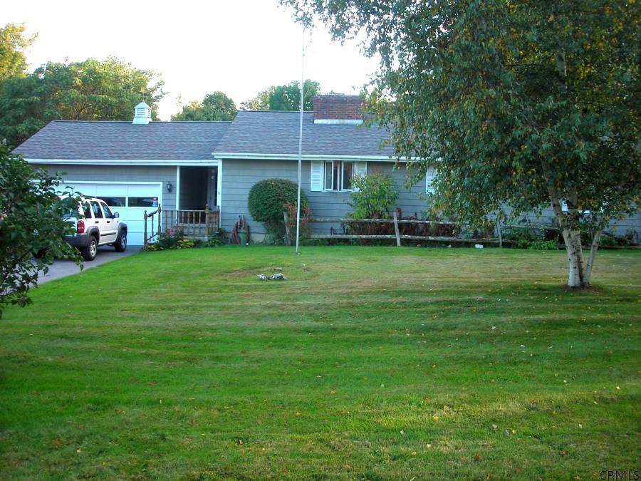 494 Beechwood Rd, Hoosick Falls, NY