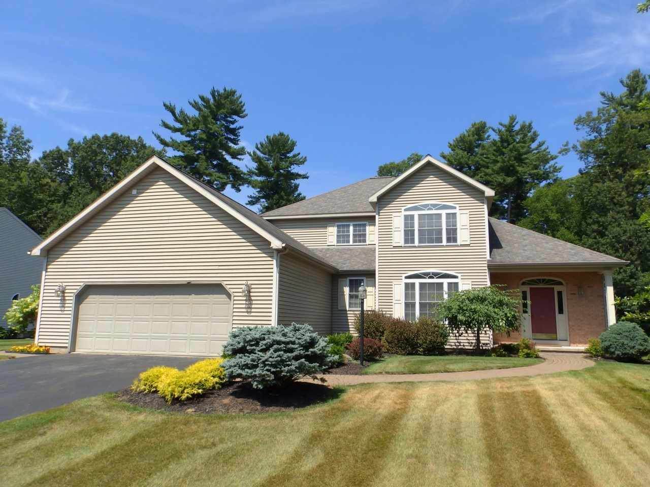 41 Waterview Dr, Saratoga Springs, NY