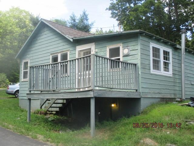 17 Whitney Dr, Averill Park, NY 12018