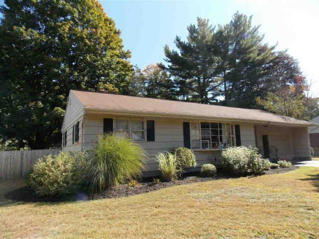 12 Crommelin Dr, Saratoga Springs, NY 12866
